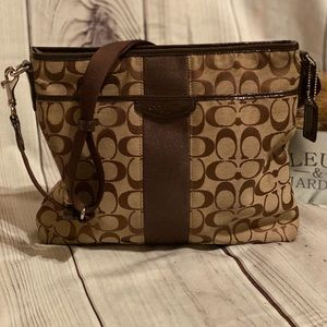 NEW COACH MESSENGER BAG!.. CHIC SIGNATURE BROWN..